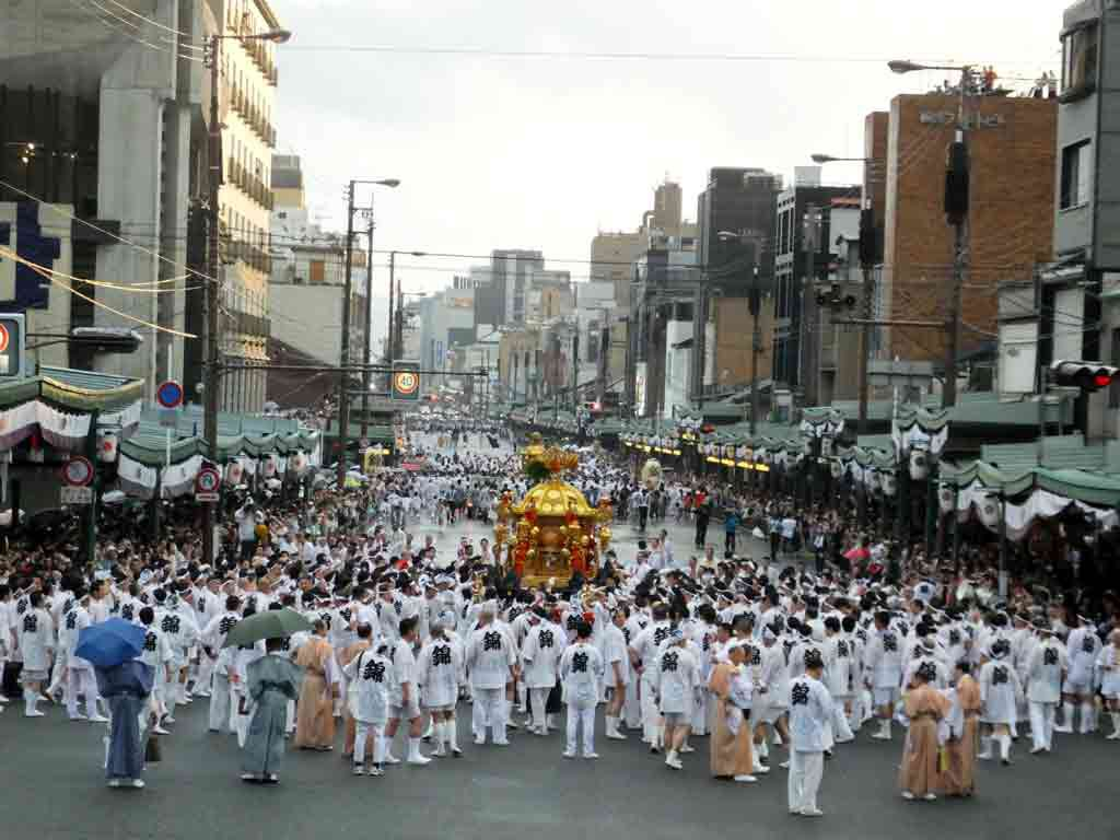 a-mikoshi-leaving-for-the-destination