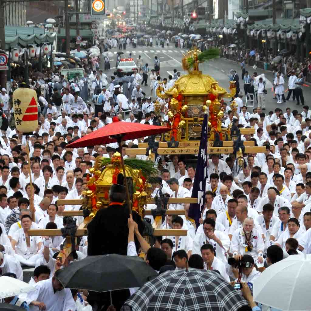 the-mikoshi-carriers-listening-to-the-speech