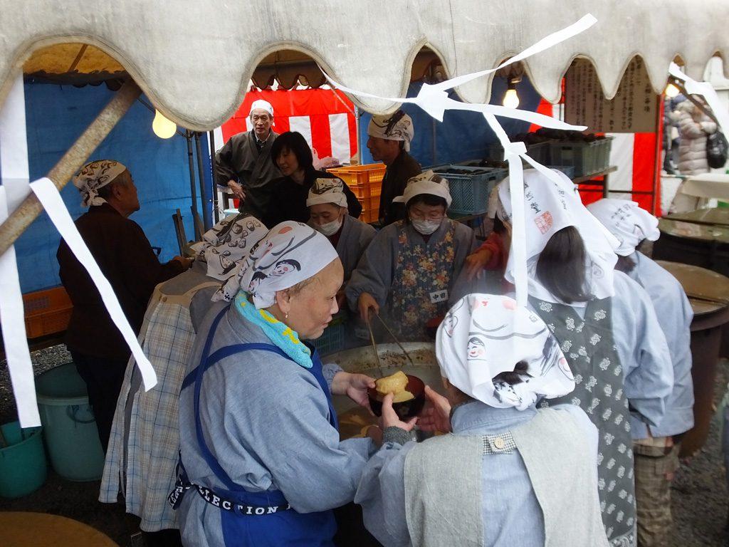 the women cooking Daiko-daki