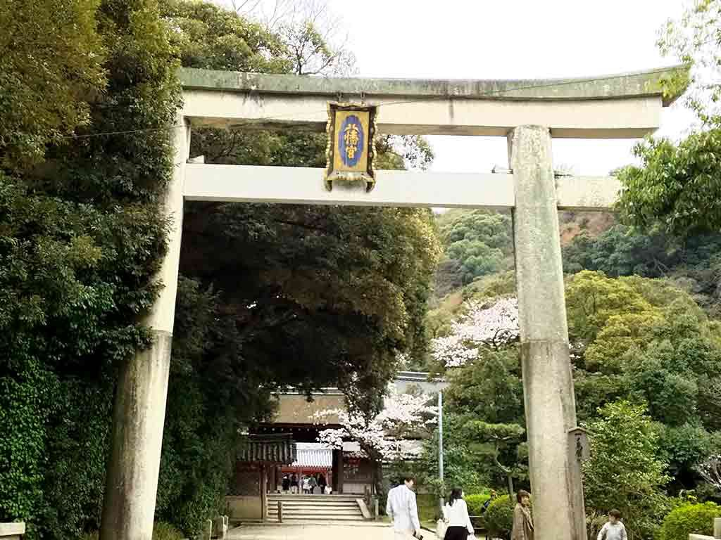 Iwashimizu Hachimangu Shrine and the sweets