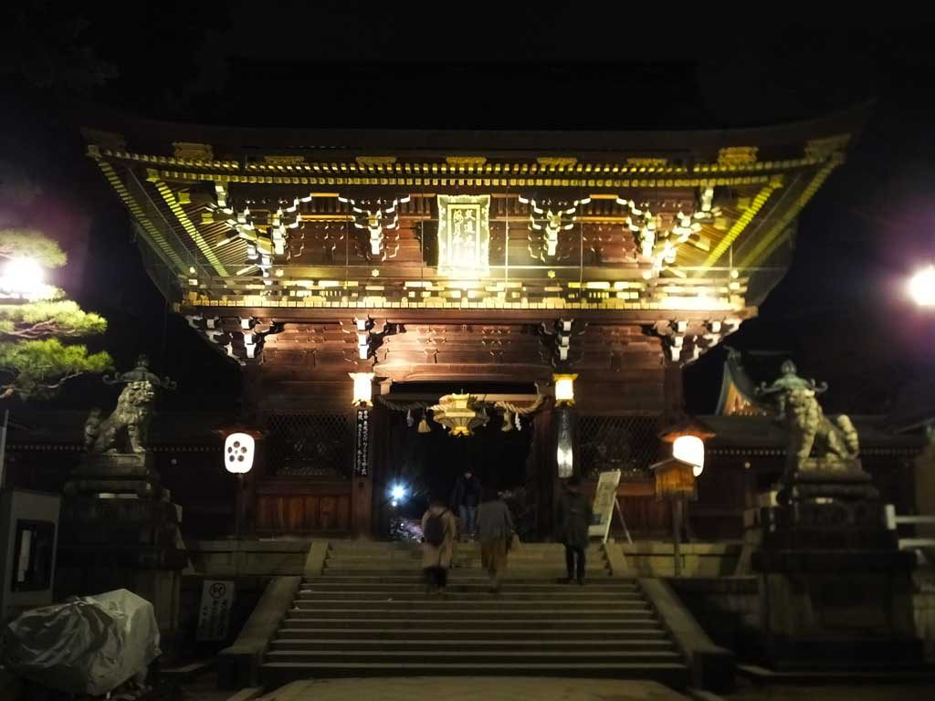 the shrine in the evening1
