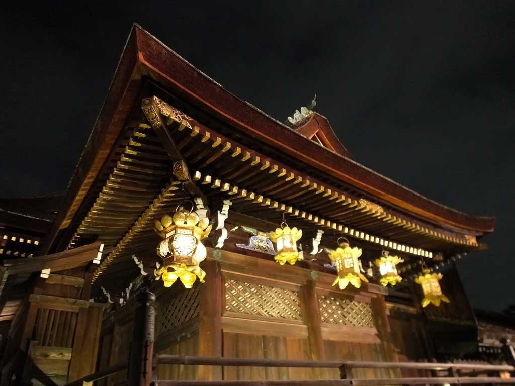 the shrine in the evening4