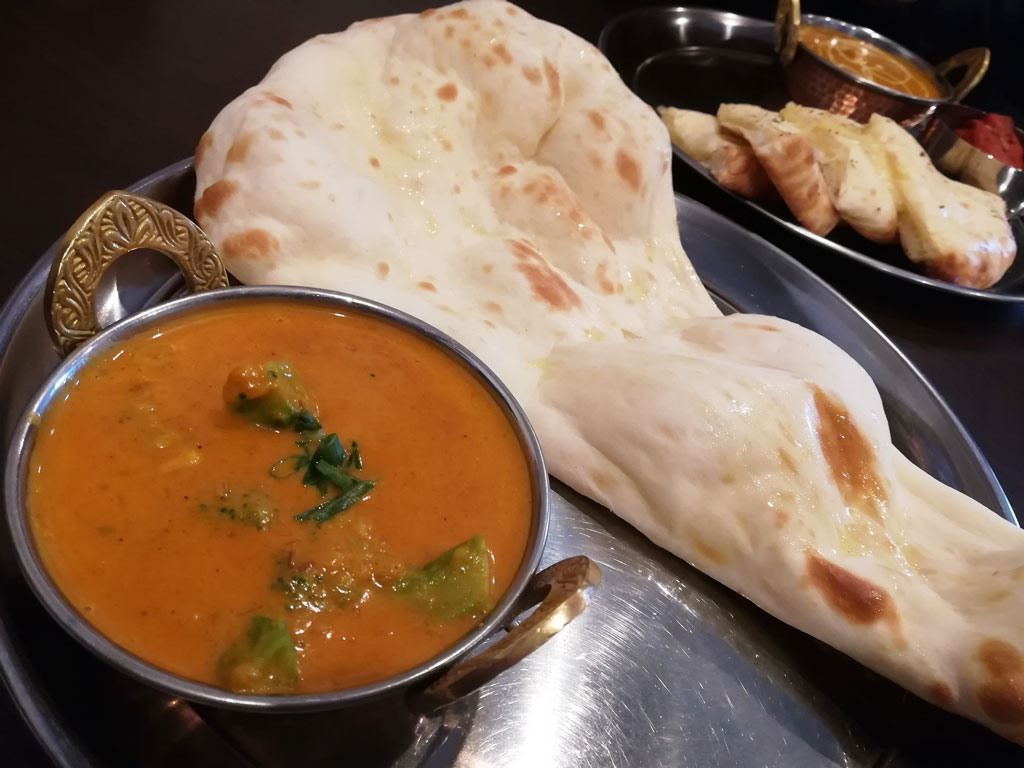 NaanCurry