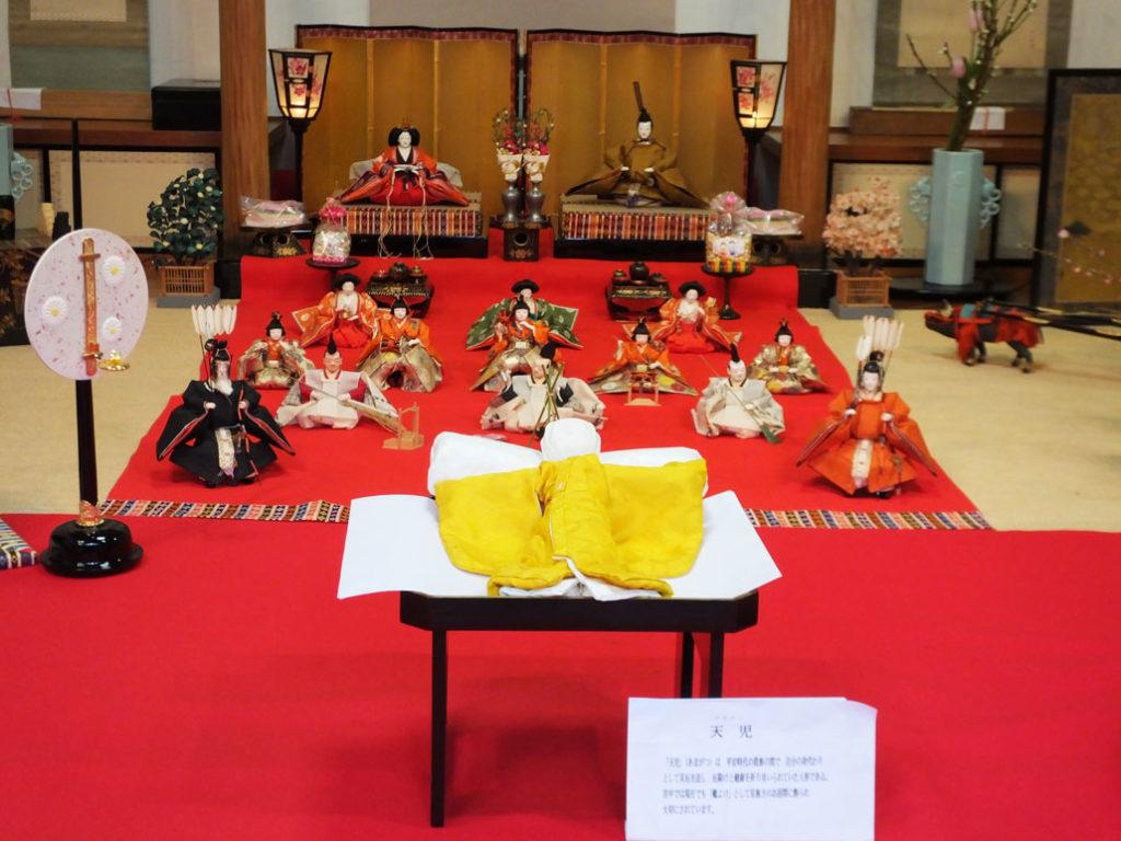 the hina dolls and Amagatsu in Ichihime Shrine
